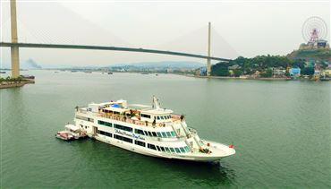 DU THUYỀN CÔNG CHÚA : Tour du thuyền 5* trong ngày + Ăn trưa buffet