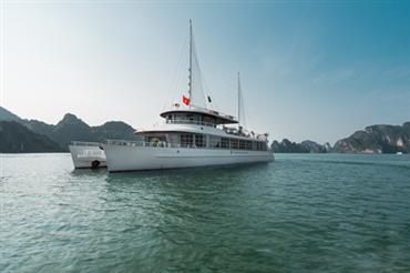 DU THUYỀN CATAMARAN : Du thuyền 5* + Ăn trưa Buffet + Xe đưa đón cao cấp