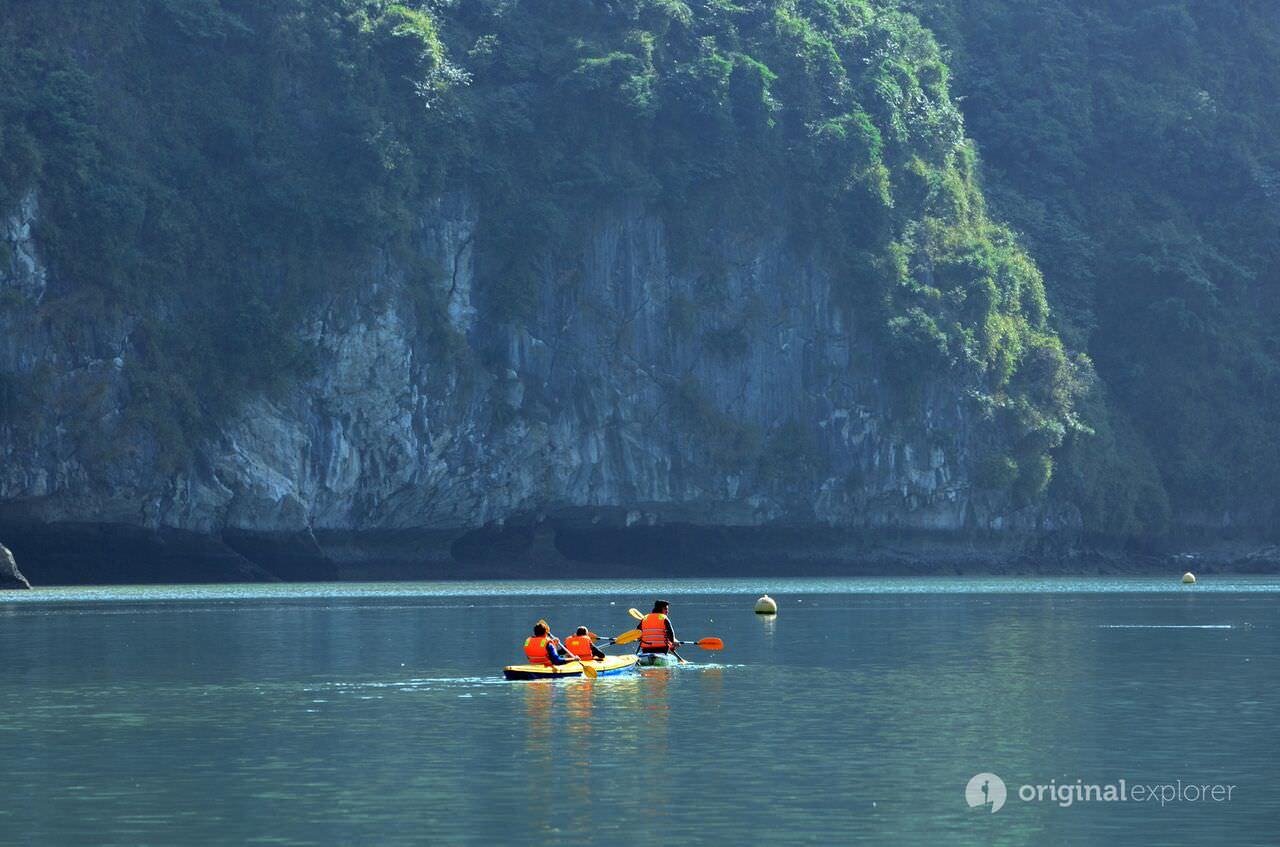 Chèo thuyền Kayak với du thuyền Estella