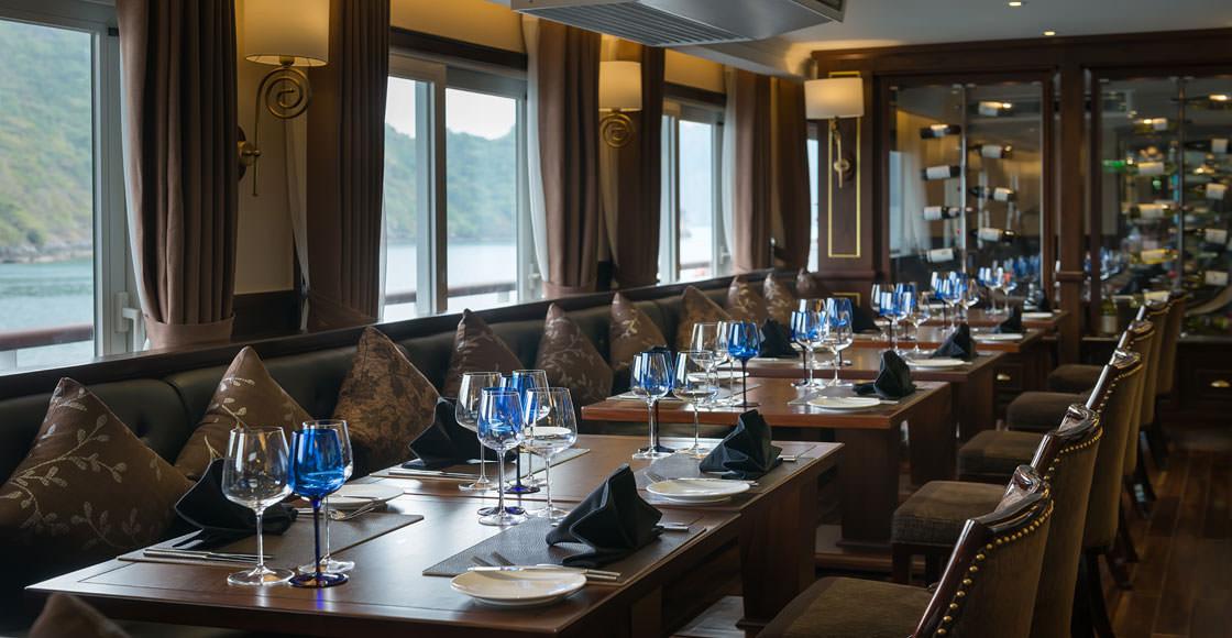 nhà hàng trên du thuyền paradise elegance