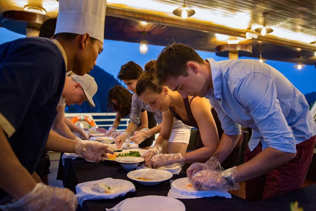 Lớp học nấu ăn với du thuyền Alisa