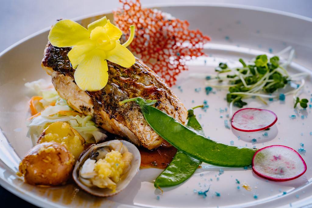 đồ ăn trên du thuyền Athena Elegance