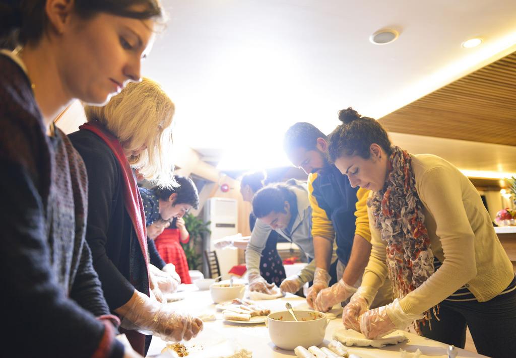 Học nấu ăn cùng du thuyền Athena Elegance
