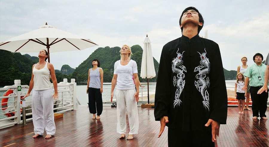 Tai Chi với du thuyền Âu Cơ