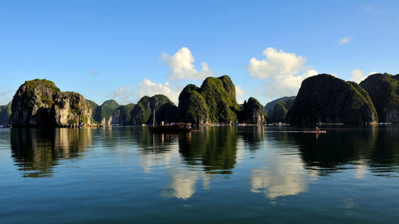 thăm Bái Tử Long với du thuyền Nàng Tiên