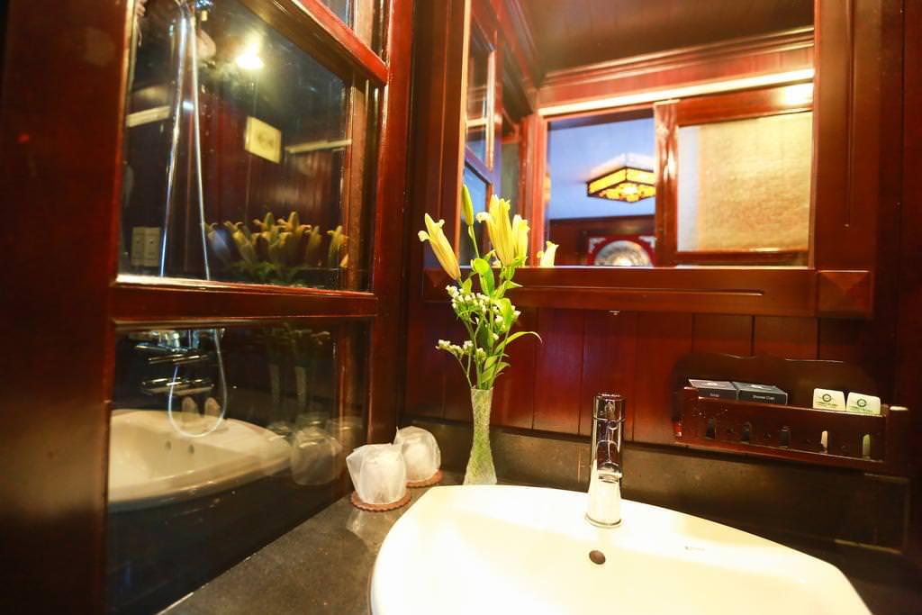 Nhà tắm của du thuyền Vspirit