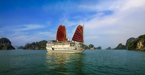 DU THUYỀN CARINA : Du thuyền 3* thăm Hạ Long - Hang Sửng Sốt - Đảo Titop