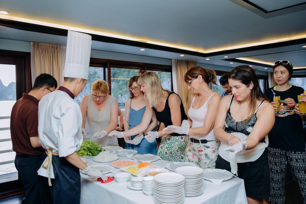 Học nấu ăn cùng du thuyền Athena