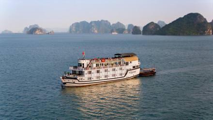 DU THUYỀN PALOMA : du thuyền 4* thăm Vịnh Bái Tử Long + xe di chuyển + chèo kayak