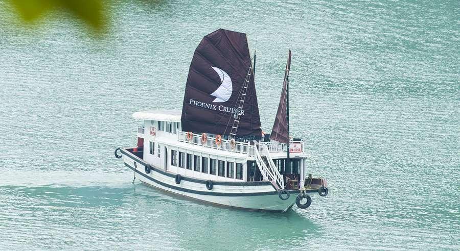 du thuyền Phoenix 1 ngày
