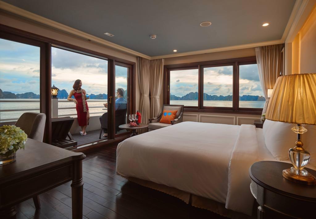 Phòng ngủ của du thuyền Athena
