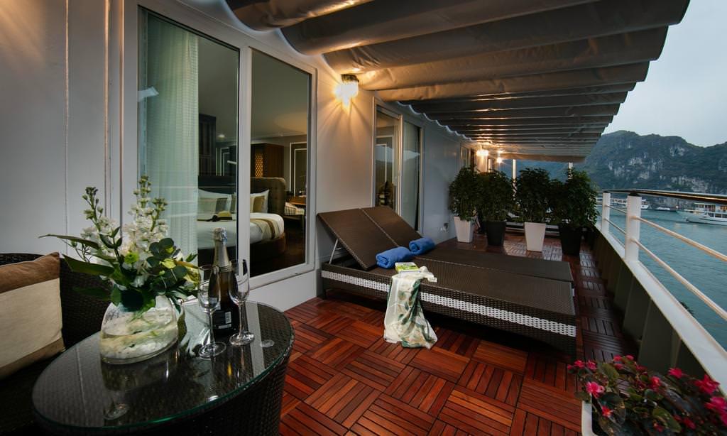 Phòng ngủ của du thuyền Era