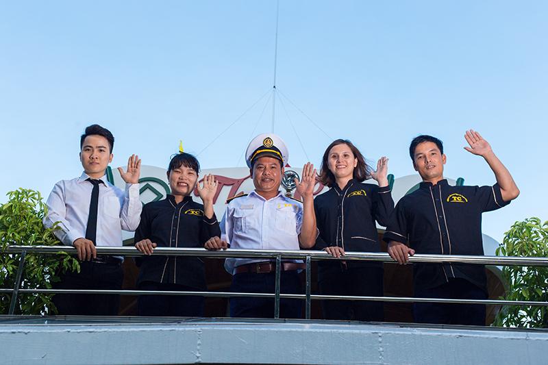 du thuyền Alova 1 ngày