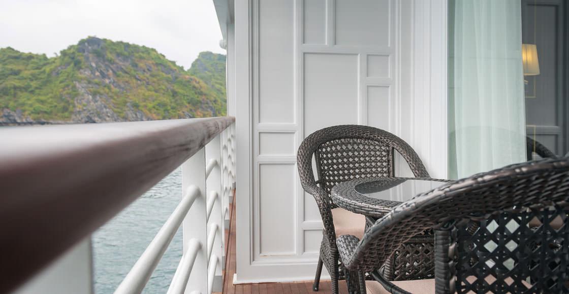 ban công của du thuyền paradise elegance