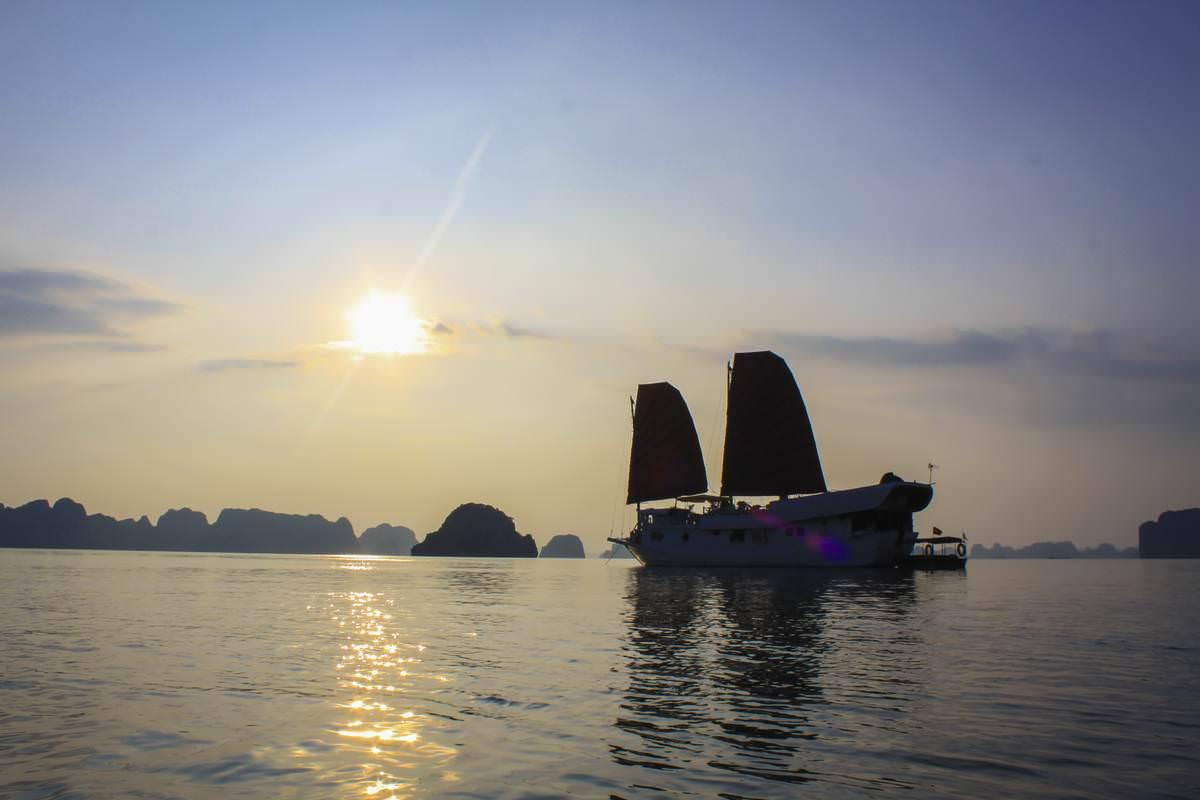 Du Thuyền Dragon Bay