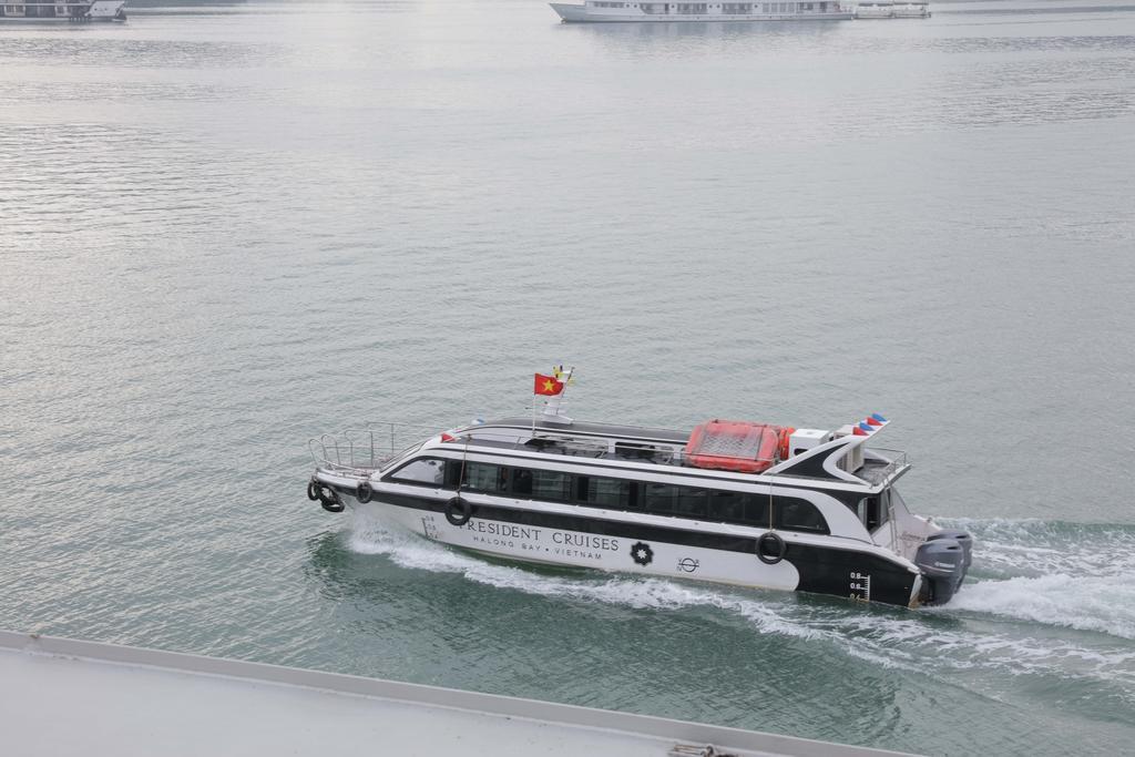 du thuyền President 26