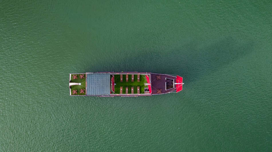 Chèo thuyền nan với du thuyền Estella