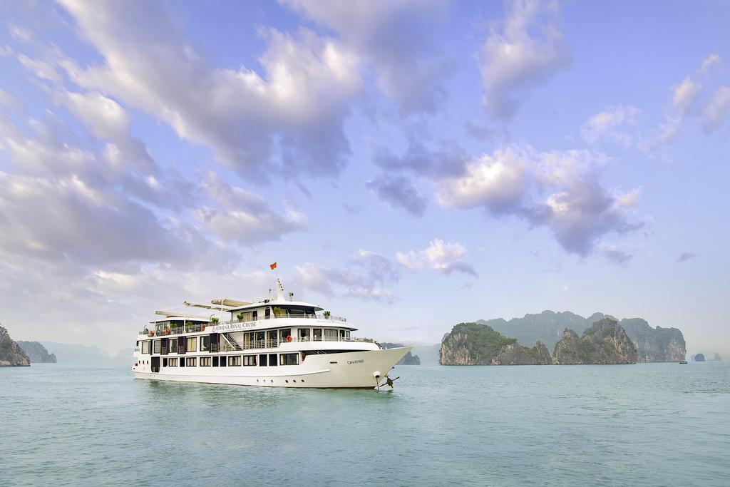 du thuyền athena royal 2