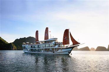 DU THUYỀN PERLA DAWN 2 NGÀY 1 ĐÊM : Du thuyền 5* thăm Vịnh Lan Hạ  + xe di chuyển Limousine