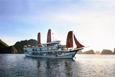 DU THUYỀN PERLA DAWN : Du thuyền 5* thăm Vịnh Lan Hạ  + xe di chuyển Limousine