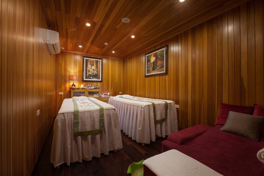phòng spa trên du thuyền Athena