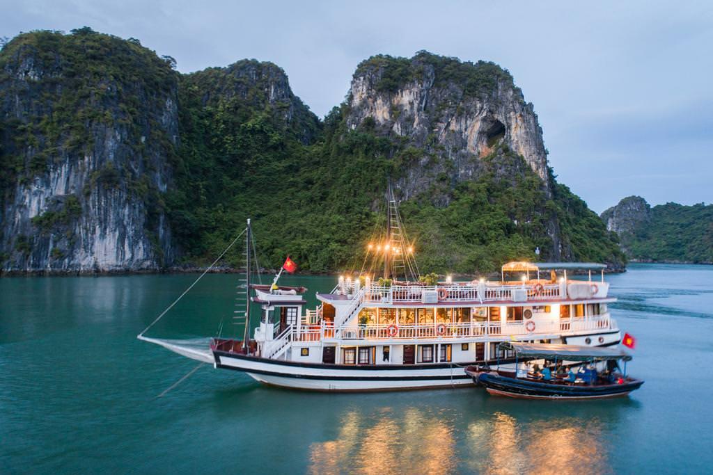 Swan Cruise 8