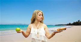 Đi biển nên mang theo đồ ăn gì?